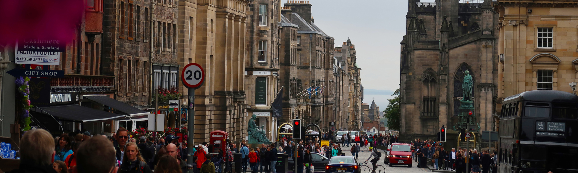 Edinburgh street, Photo by Emran Yousof on Unsplash