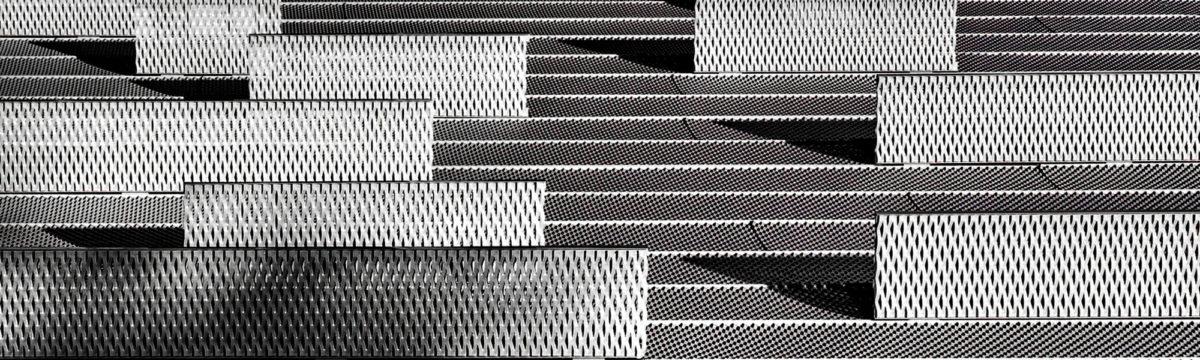 Steel Photo by Ricardo Gomez Angel on Unsplash